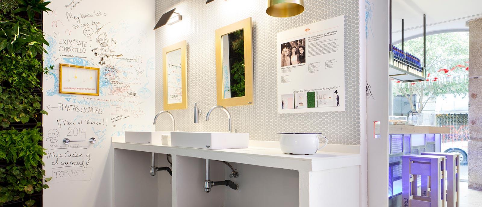 """Baños públicos – """"Alegoría a la expresión en los baños públicos"""""""