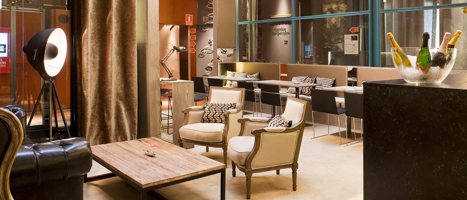 """Bar-zona de descanso – """"Mammoth Lounge"""""""