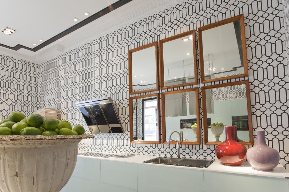 Cocina y ba o por ra l martins en casa decor madrid 2010 - Interioristas en madrid ...