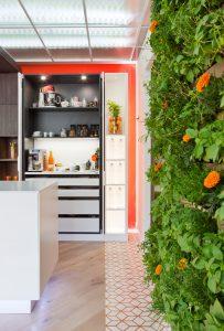 Cocina moderna y funcional por Virgina Albuja en Casa Decor 2015