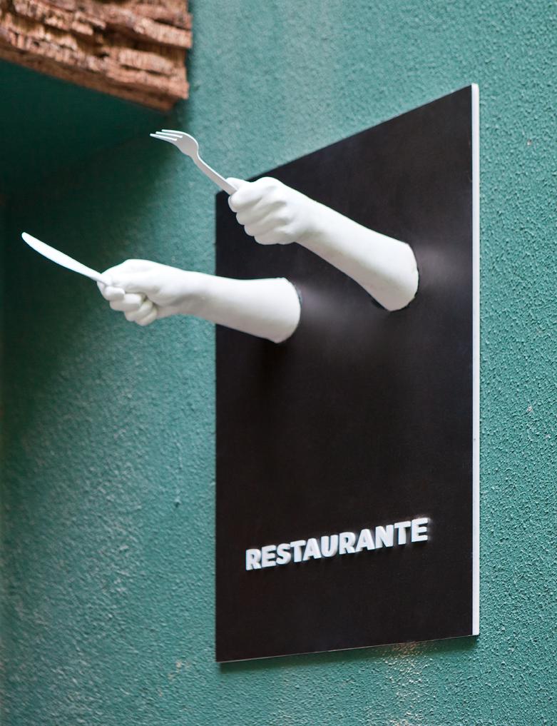 """Señalética – """"Por aquí"""""""