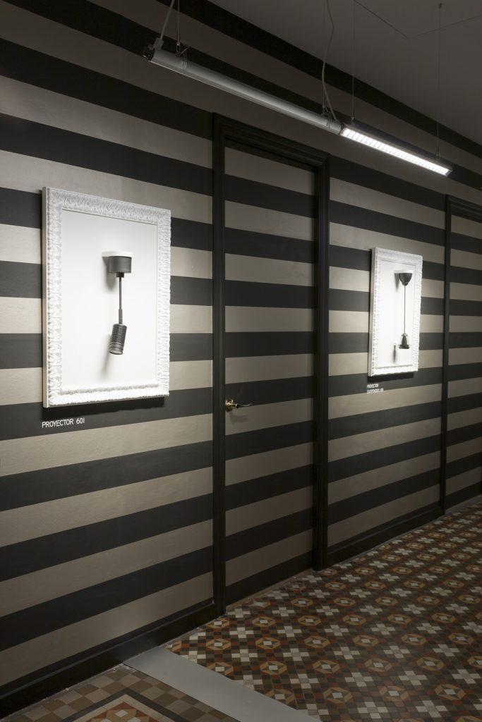 casa-decor-barcelona-2011-serrano-rovira-simon-hall-pasillo-003