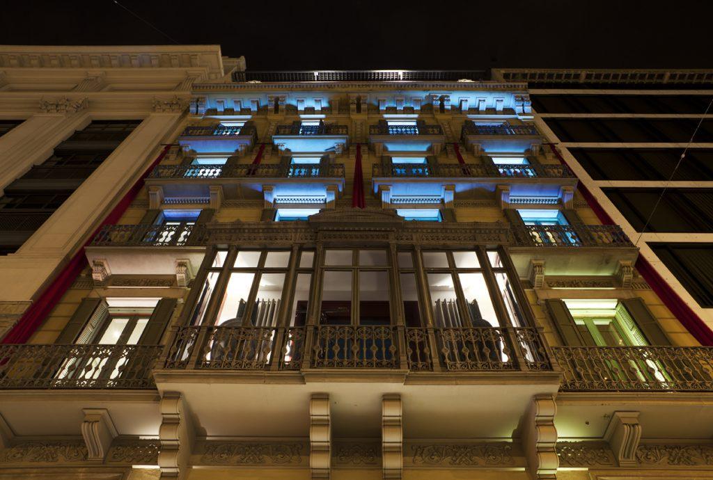 casa-decor-barcelona-2012-fachada-erco-005