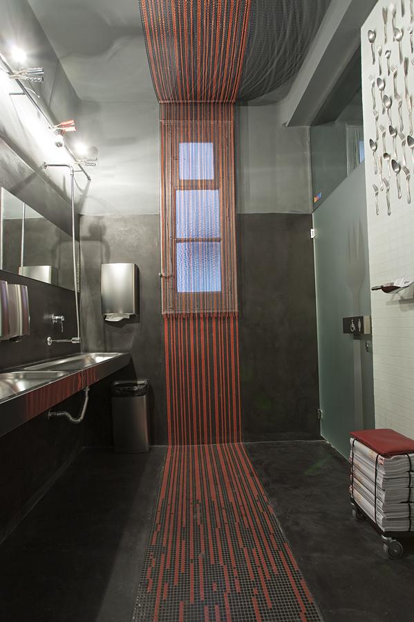Ba os p blicos de simona garufi en casa decor madrid 2010 - Interioristas en madrid ...