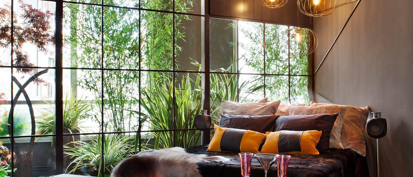 Dormitorio con jardín interior – «Room Natura»