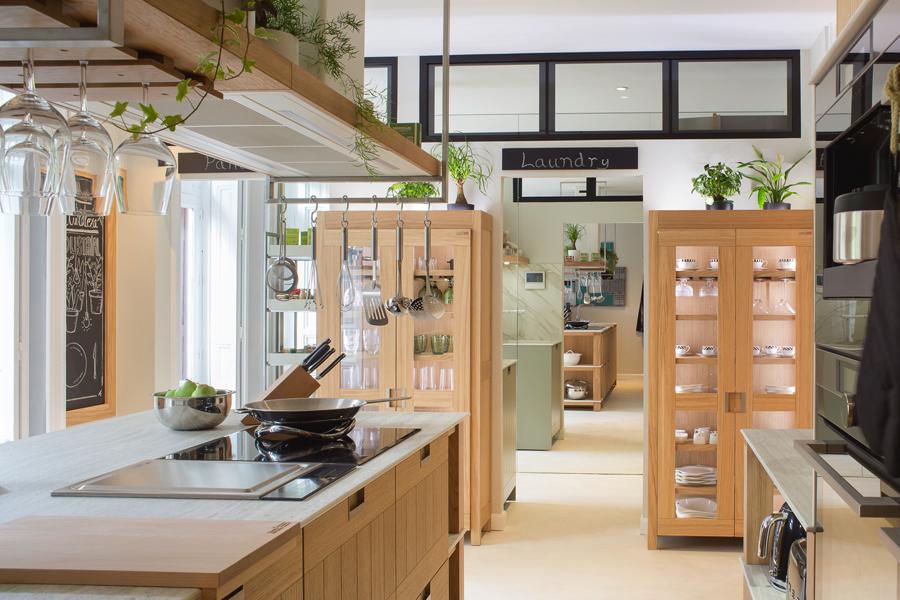 Cocina con comedor – «Cocina en plena naturaleza industrial»