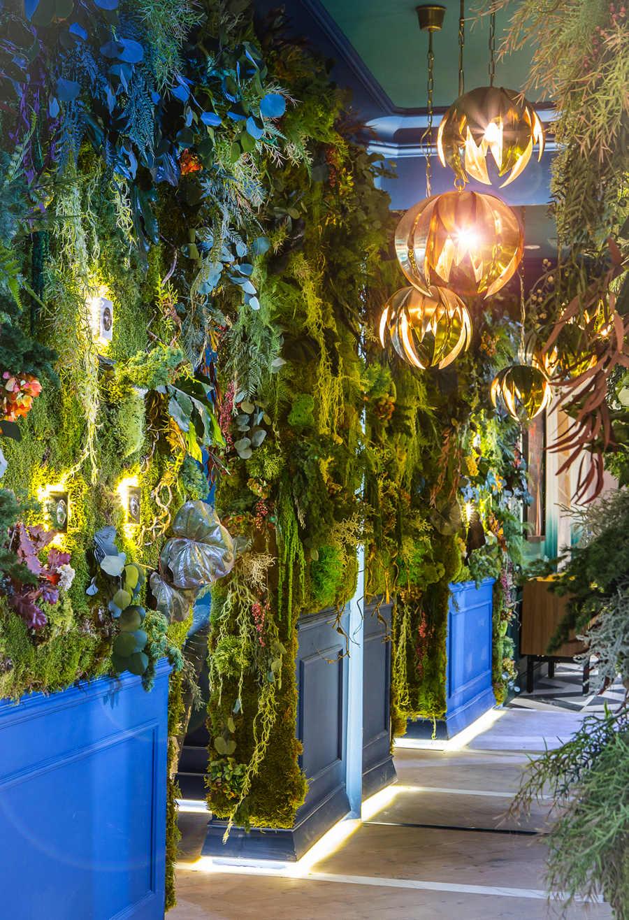 Pared creativa «El bosque de las luciérnagas» para Niessen – Asea Brown Boveri