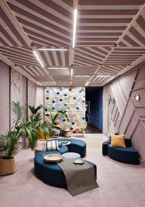 Lobby «Lounge Palo de Rosa» – Espacio Procolor, Grado de diseño de interiores ESNE