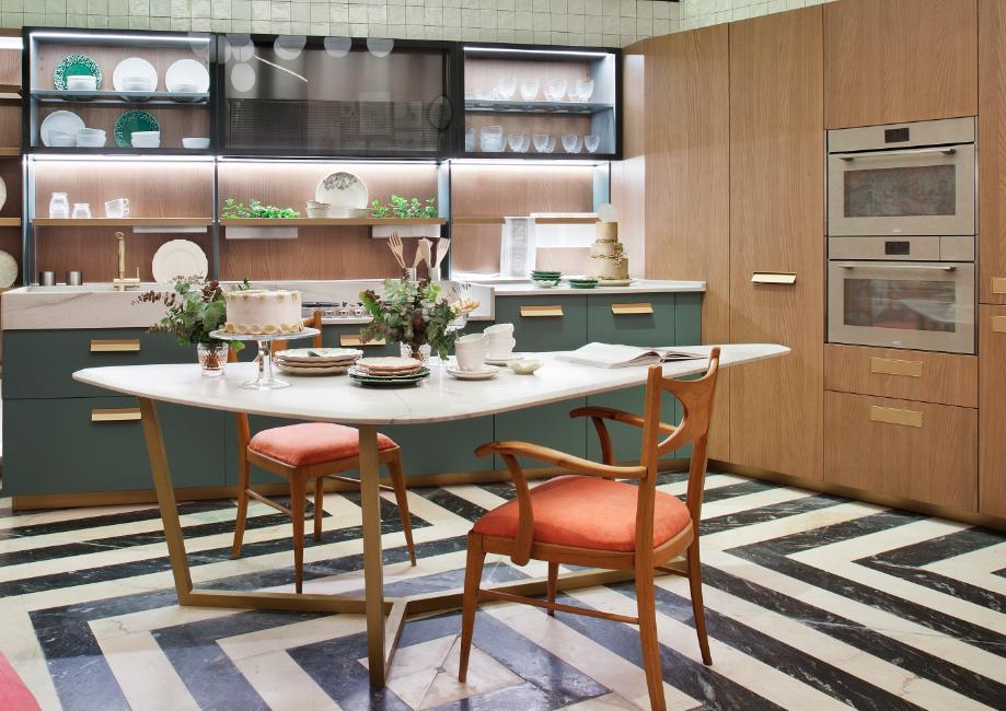 Hornos en la cocina con comedor diseñada por Beatriz Sánchez Jiménez y Eva Martín Márquez en Casa Decor 2018