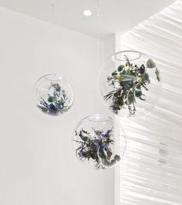 Obras de Monamour Design en el espacio Escenium