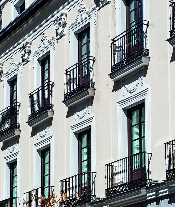 Edificio Santa Isabel. Fachada de los los números 21 y 23