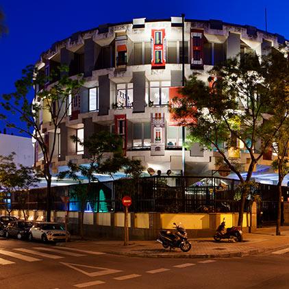 Iluminación de la fachada, MartaArcaya y PaulaArenas