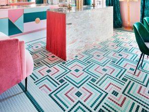 """Suelo de Hisbalit en la cocina """"Rebel Kitchen"""" por Patricia Bustos en Casa Decor 2018 - Premio al Mejor Proyecto"""