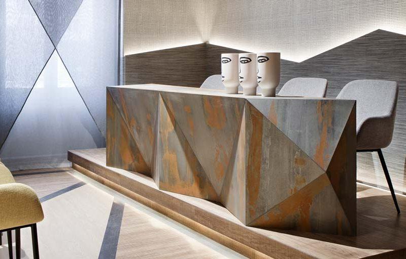 Muebles de piedras y laminados en Casa Decor 2020