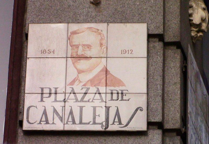 Plaza de Canalejas, breve paseo por su historia