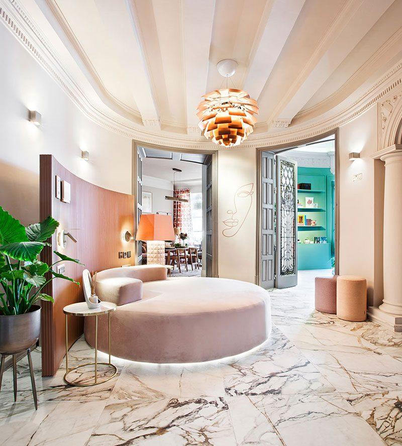 Los interiores en tono rosa empolvado siguen siendo tendencia