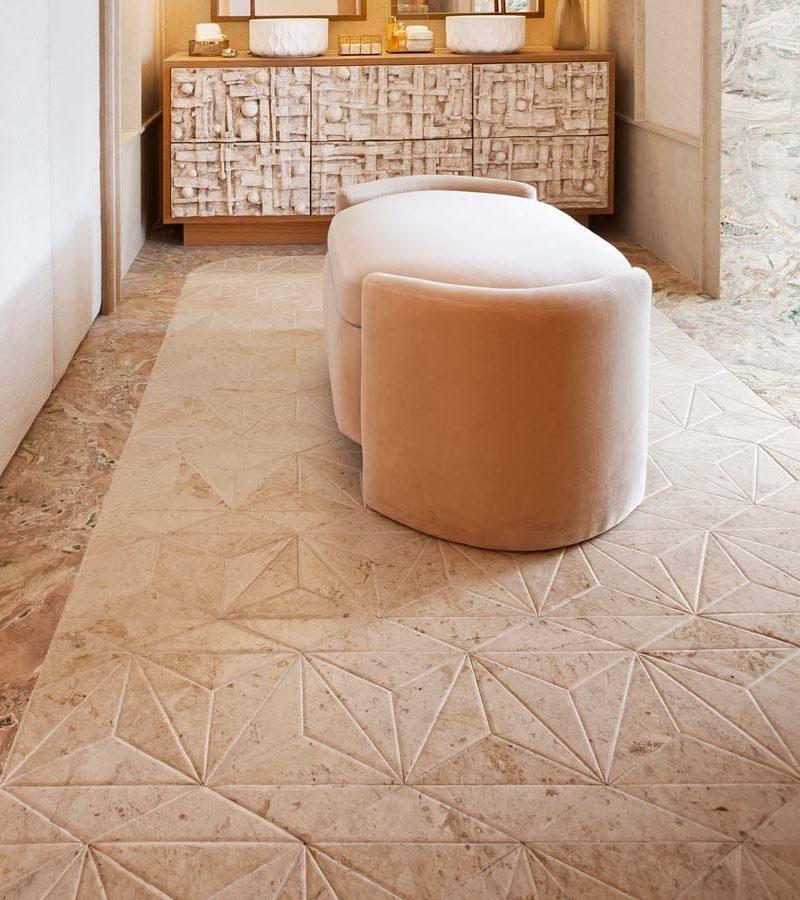 10 ideas vistas en Casa Decor 2021 para decorar los suelos con geometrías